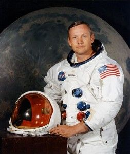 Neil Armstrong, 82 dead