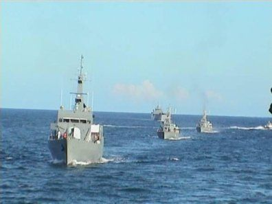 Kenyan navy shells Somali port, seeking to exterminate terrorists