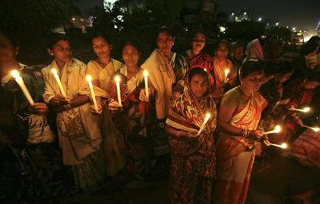 Indian rape protesters to be hosed