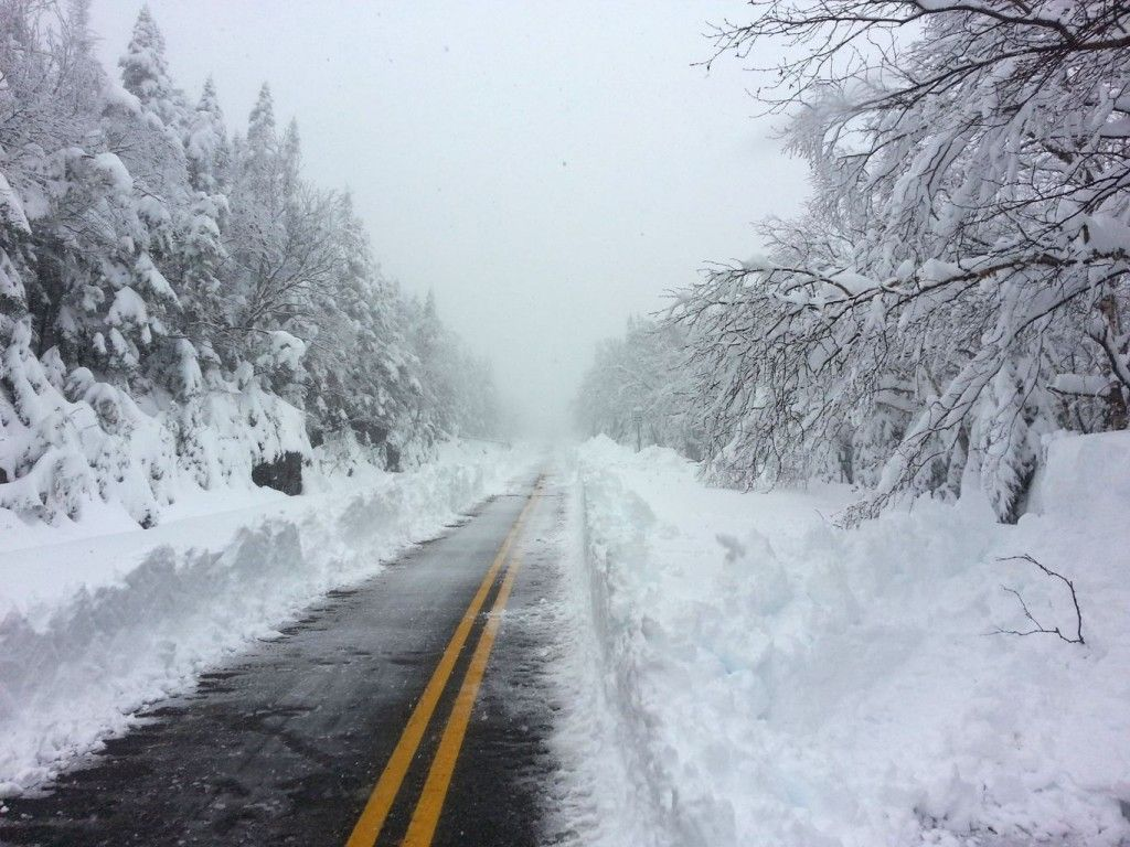 Snow slams Vermont and New York