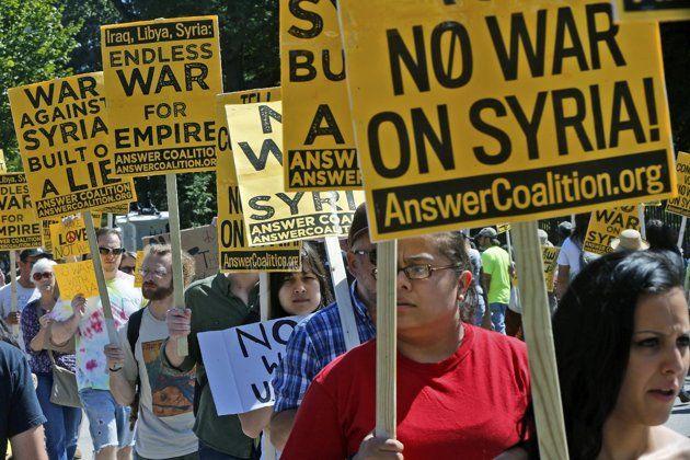 demonstrators against war in Syria