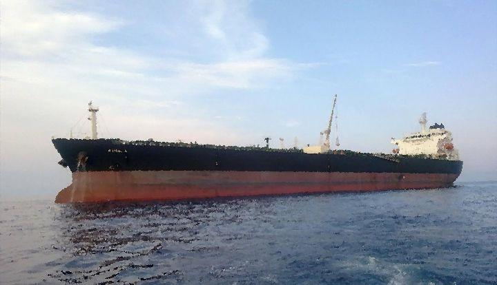 angolan oil tanker hijacked , man nearly killed