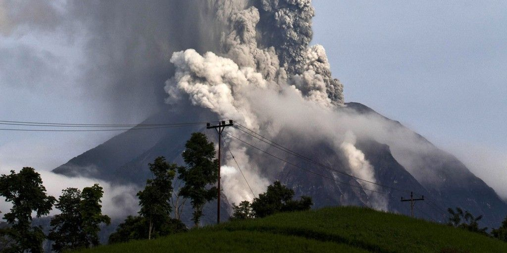 Volcanic eruption in Indonesia kills 15